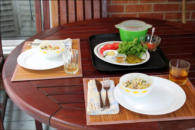 outdoor-table-for-two