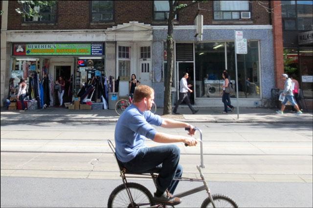 bike-riding-queen-st-w