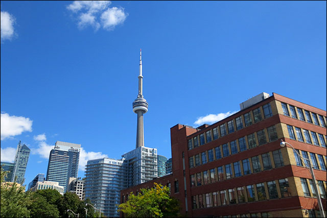cn-tower-from-wellington-and-spadina