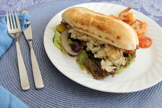 bratwurst-sausage-on-a-bun