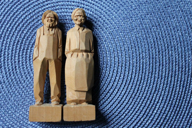 handcarved-wooden-figurines-quebec