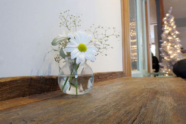 daisies-at-fika-cafe