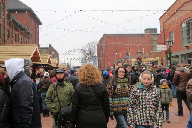 lowes-christmas-market-toronto