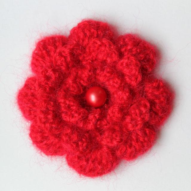 crocheted-flower-brooch-2