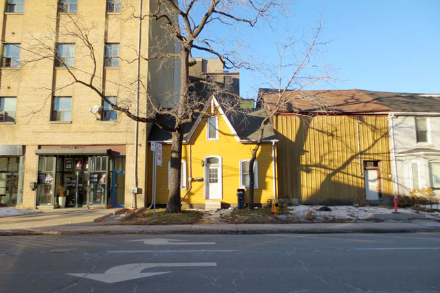 old-yellow-house-toronto 618 richmond street