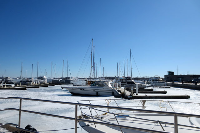 boats-in-water-winter