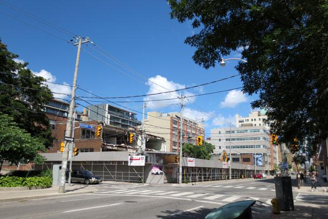bluebird-building-being-torn-down