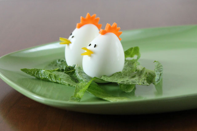 chicks-made-from-eggs-easter-decoration