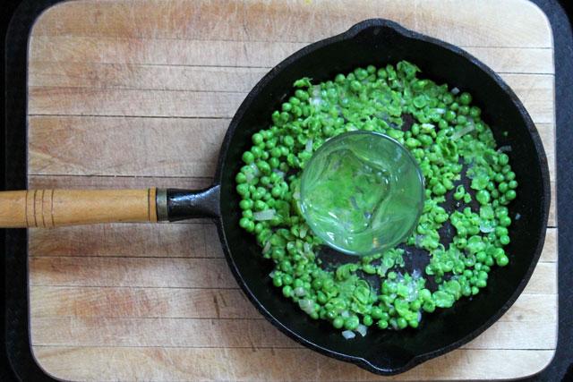 green-pea-crostini-spread-how-to-make-03