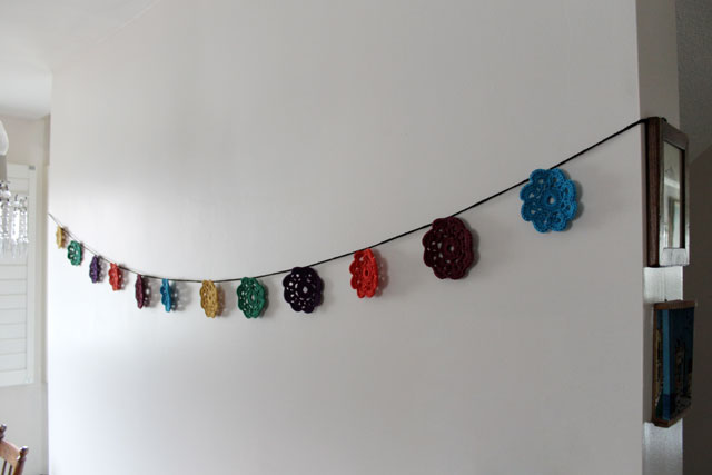 crocheted-maybelle-flower-garland