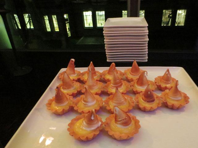 lemon-meringue-tarts