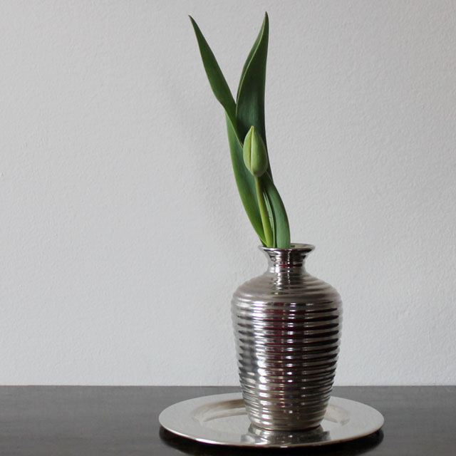 tulip-bud-in-a-thrifted-vase