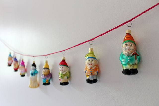 czech-ornaments-snow-white-and-dwarves-02