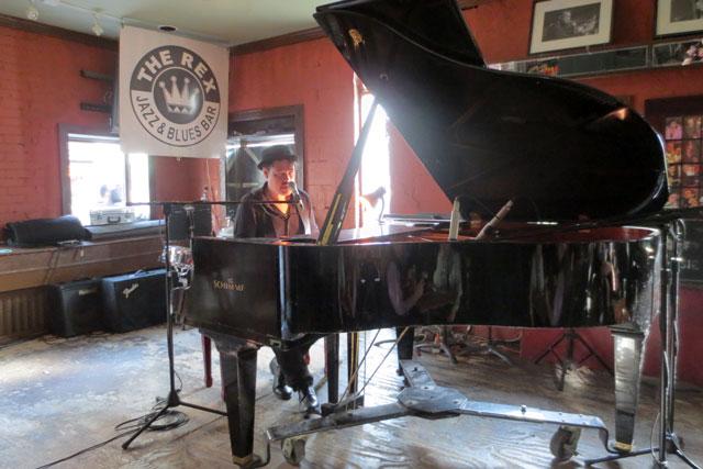 kevin-quain-at-the-rex-may-2014