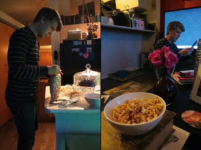 serving-caramel-corn