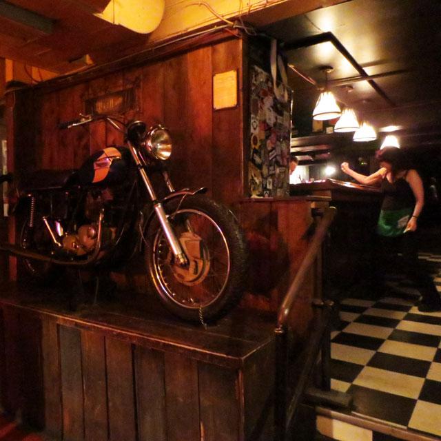 inside-the-horseshoe-tavern-toronto