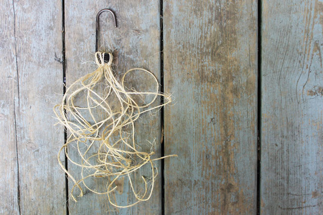 making-macrame-latch-fob-4-pieces-x-36-inches-jute-string