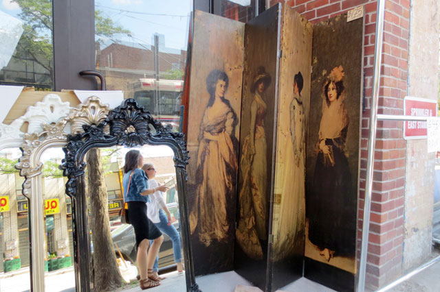 vintage-screen-and-mirrors