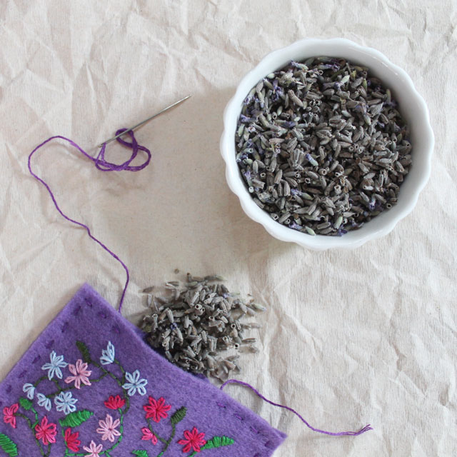making-a-lavender-sachet-with-hand-embroidered-felt