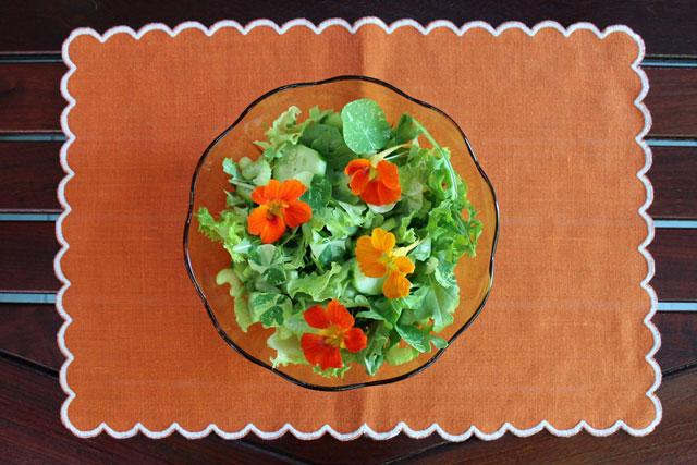 salad-with-nastutium-flowers-in-it