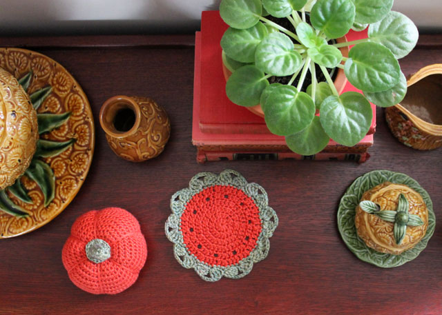 decorating-for-fall-with-crochet-02