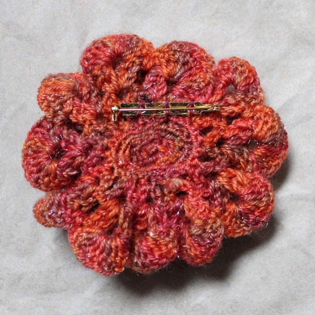 crocheted-rose-brooch-back