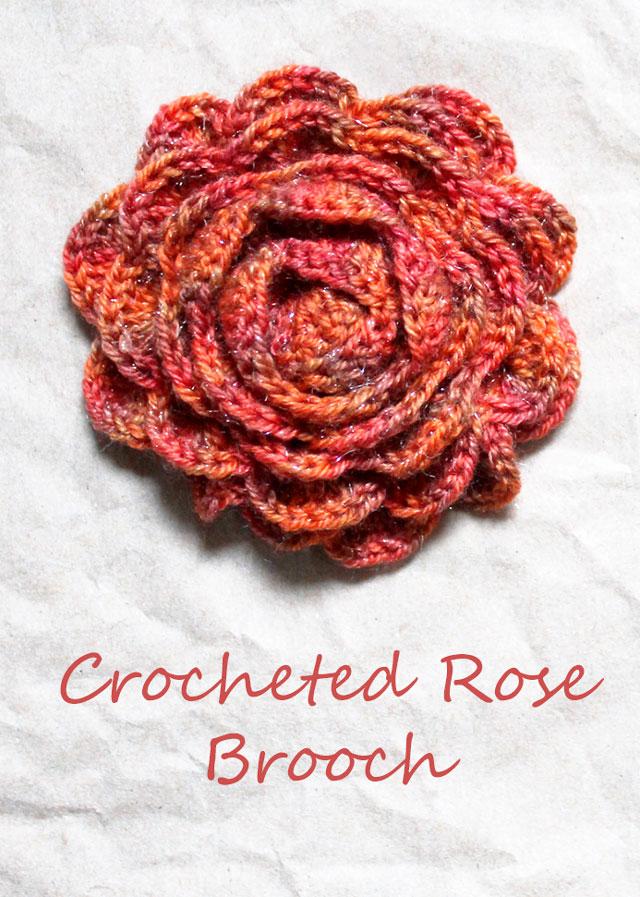 hand-crocheted-rose-brooch-sparkly-yarn-free-pattern