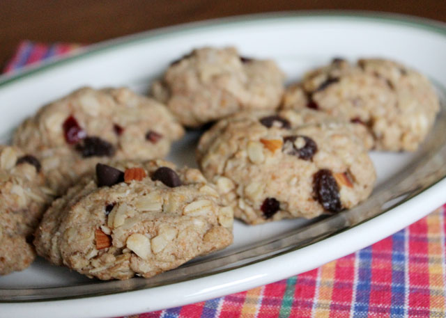 healthier-cookies-oatmeal-fruit-nut-and-chocolate-chips-coconut-oil-3