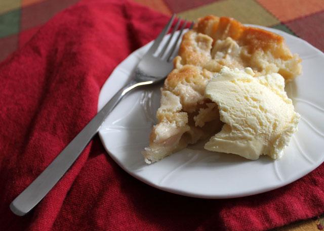 marie-helenes-apple-cake-epicurious-03