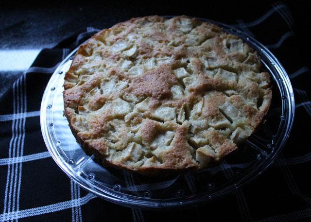 marie-helenes-apple-cake-epicurious