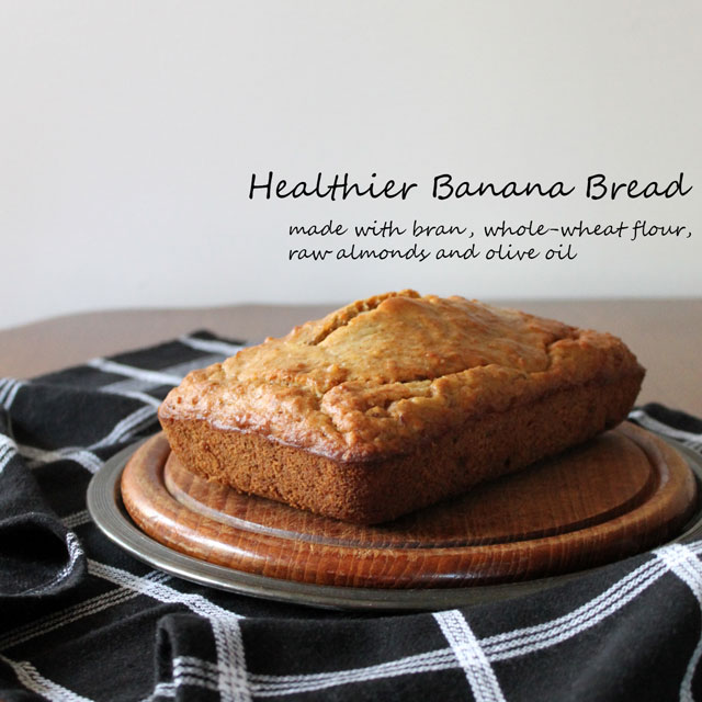 healthier-banana-bread-made-with-bran-whole-wheat-flour-almonds-and-olive-oil