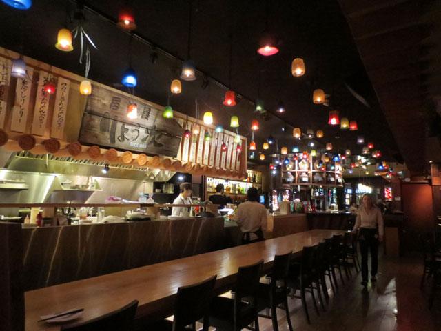 inside-ryoji-restaurant-college-street-toronto-3