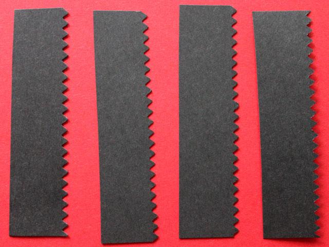 cut-4-pieces-of-frame-colour-and-trim-with-fancy-edge-scissors-valentine-diy