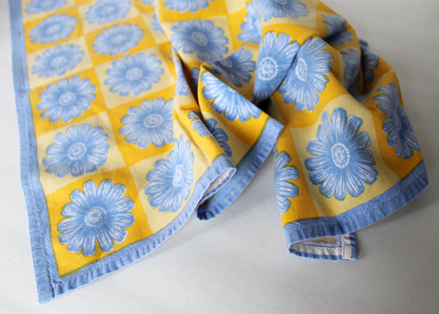 thrifted-cotton-tea-towel-kitchen-towel-2