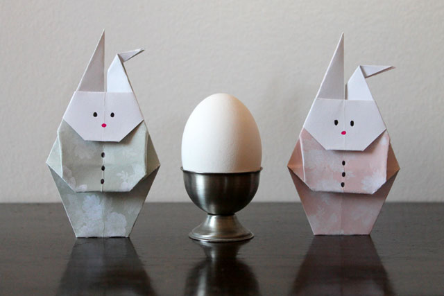 origami-rabbits-and-an-egg-easter-decoration