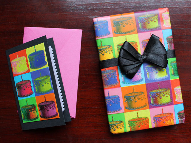 handmade-birthday-card-that-matches-the-gift-wrapping