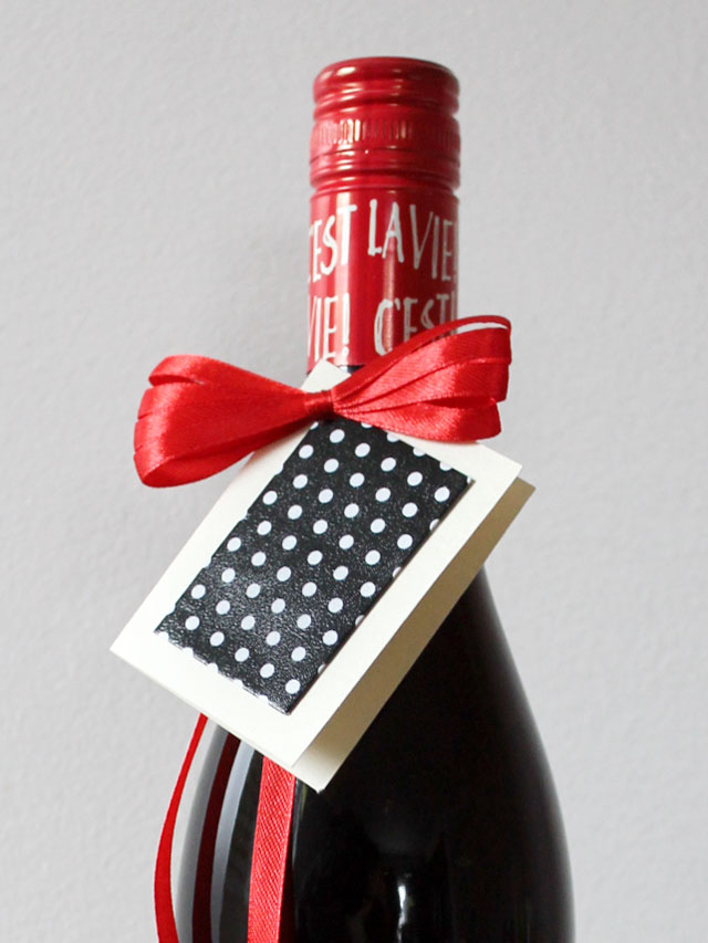handmade-small-gift-card-made-with-wrapping-paper