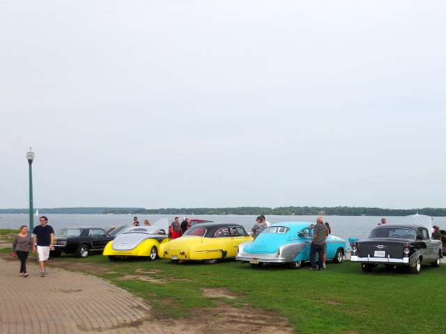 at-barrie-thunder-classics-cruise-night