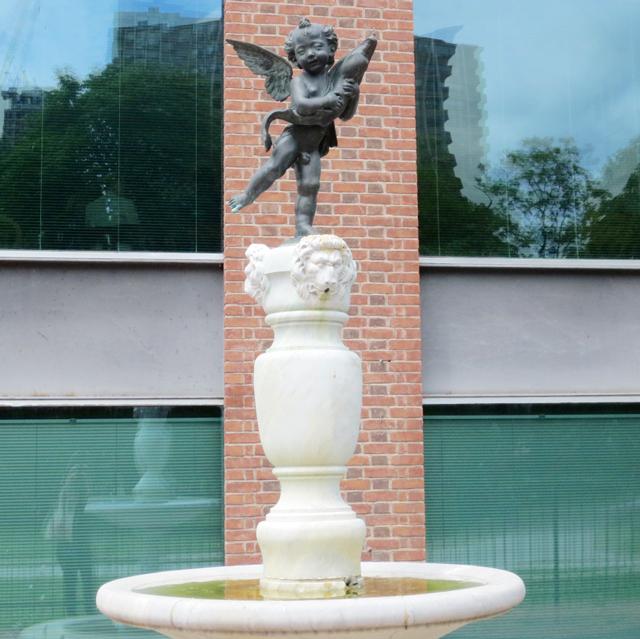 cherub-fountain-behind-ago-toronto-art-gallery-of-ontario