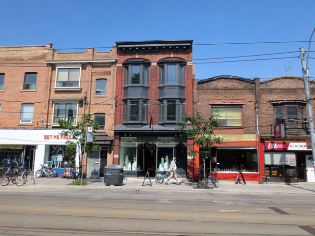 old-historic-buildings-on-roncesvalles-toronto