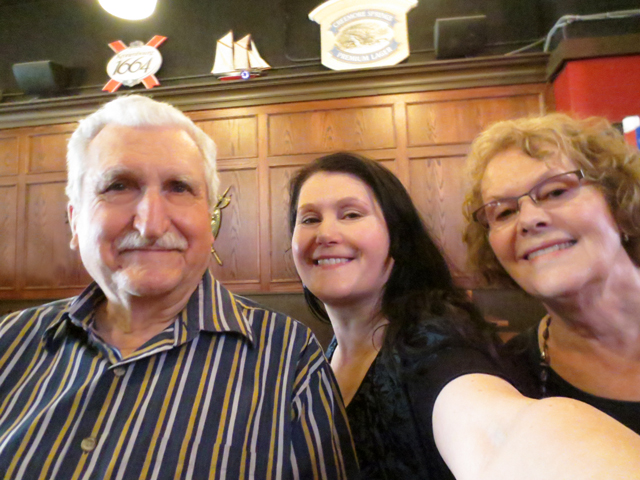 selfie-with-mom-and-dad