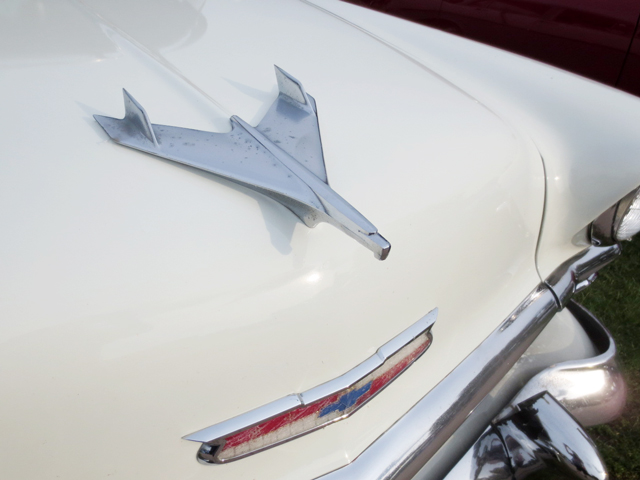 vintage-chevy-thunderbird-hood-ornament-barrie-car-show