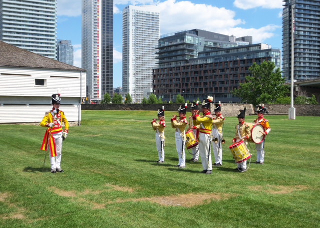drum-and-fife-band-fort-york-toronto