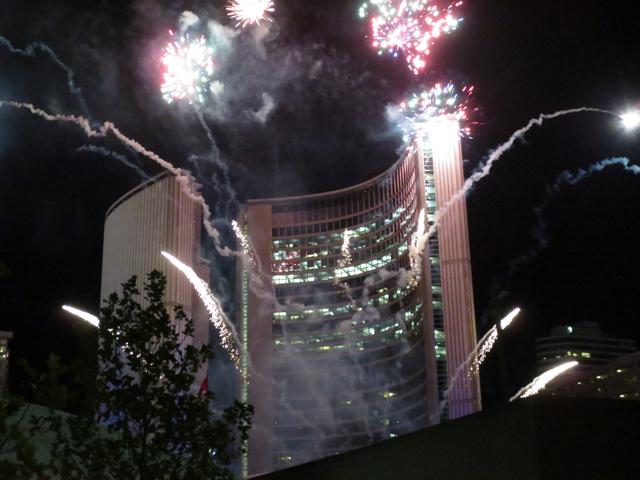 toronto-city-hall-fireworks-panamania