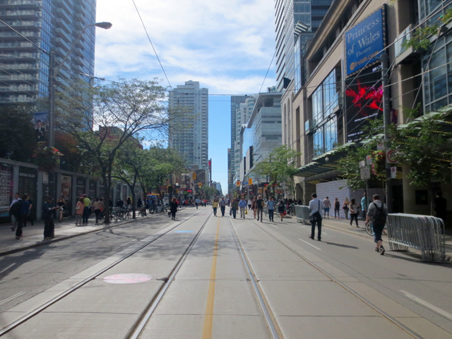 king-street-west-toronto-no-cars-because-of-tiff-festival