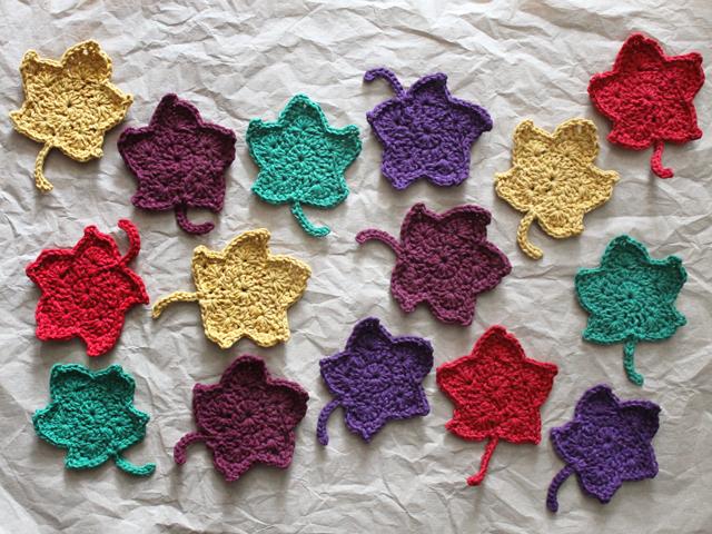 crochet-maple-leaves-free-pattern-from-thepaintedhinge-blog-crocheted-leaves