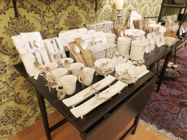 pieces-in-gift-shop