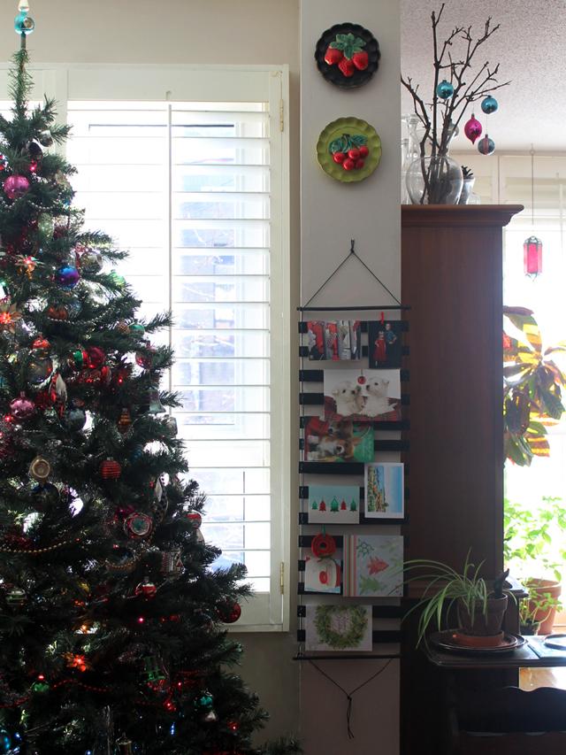 handmade-christmas-card-wall-hanging-display