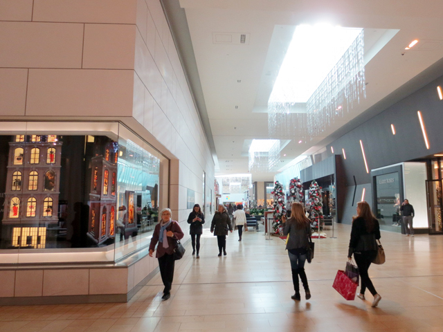in-yorkdale-mall-toronto