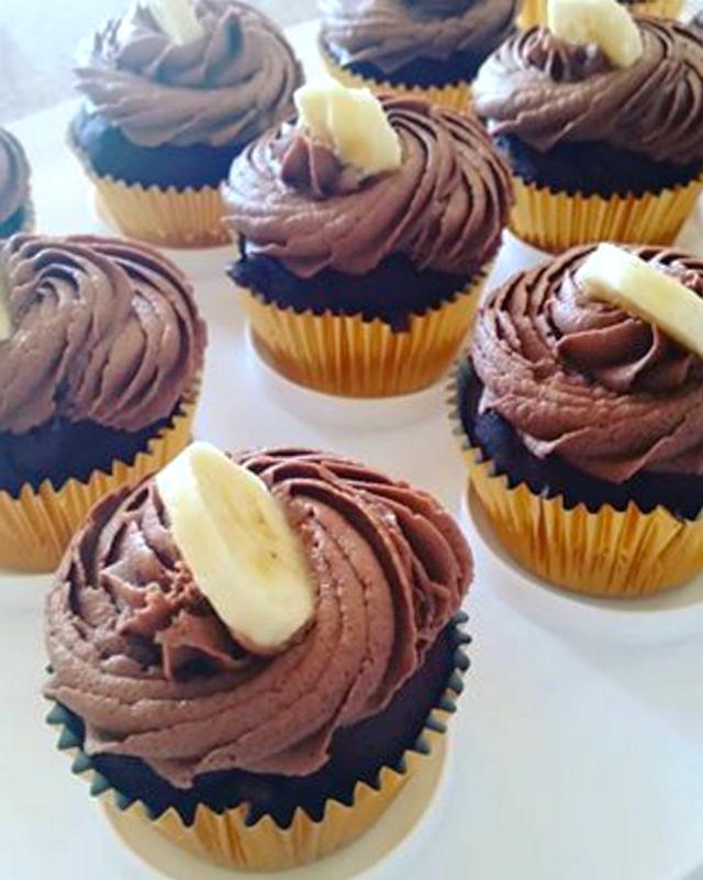 chocolate-banana-cupcakes-baked-by-andrea